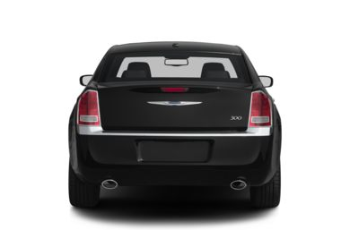 Rear Profile  2013 Chrysler 300