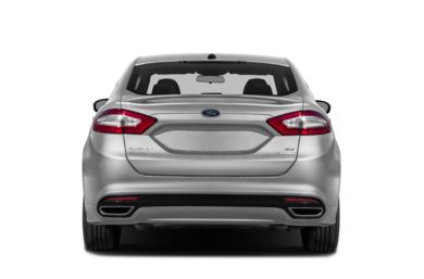 Rear Profile  2013 Ford Fusion