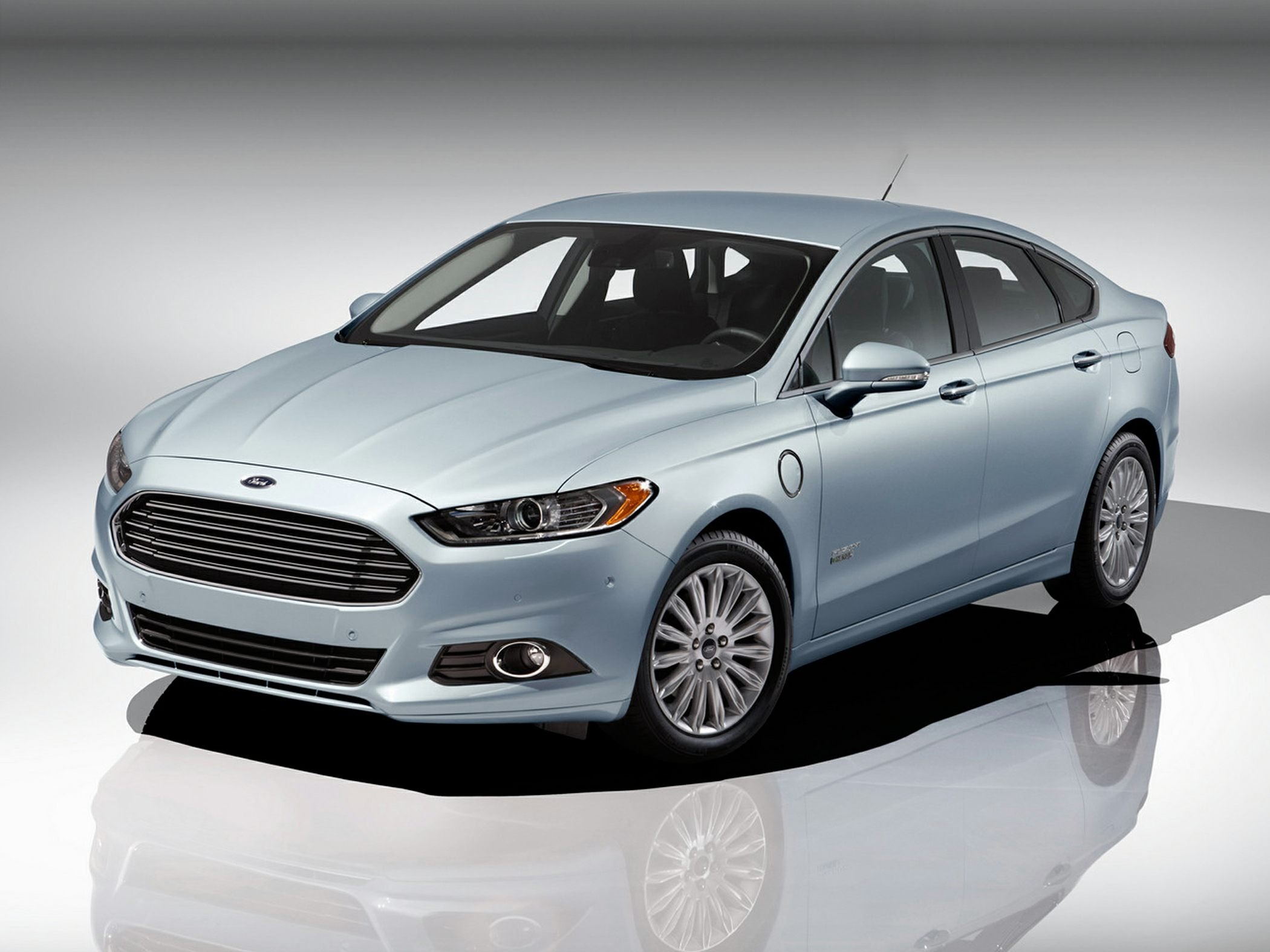 2014 Ford Fusion Energi Glam