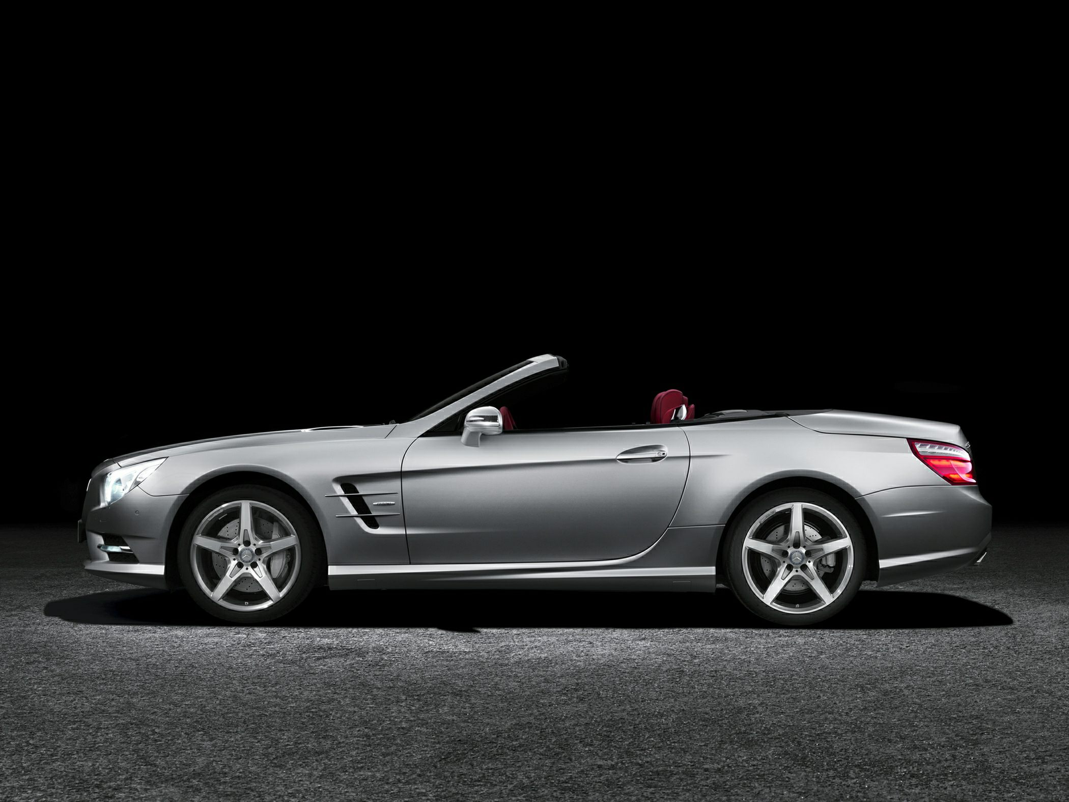 Mercedez-Benz SL550 Exterior Simple