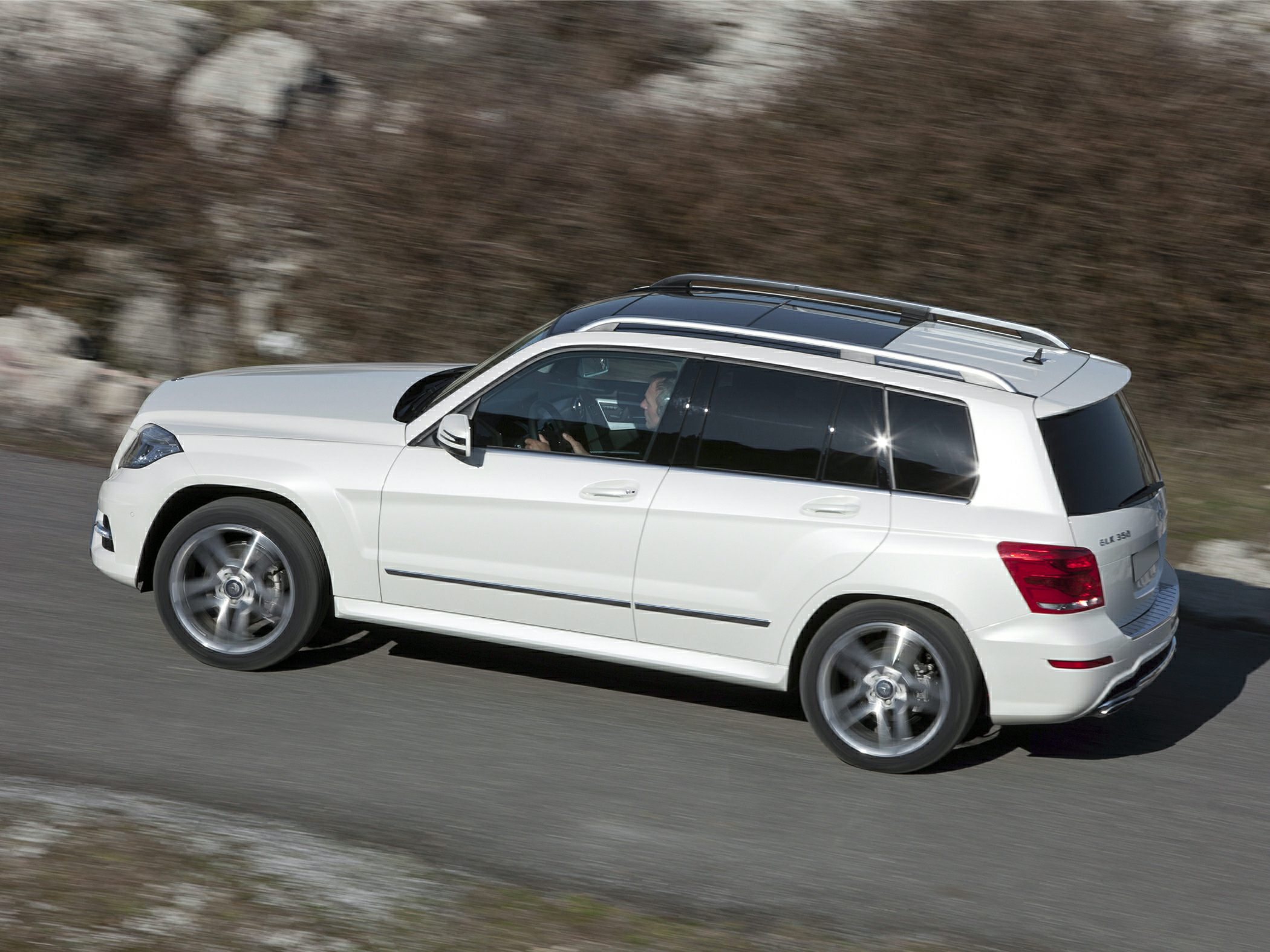 2015 Mercedes-Benz GLK350 Side