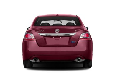 Rear Profile  2013 Nissan Altima