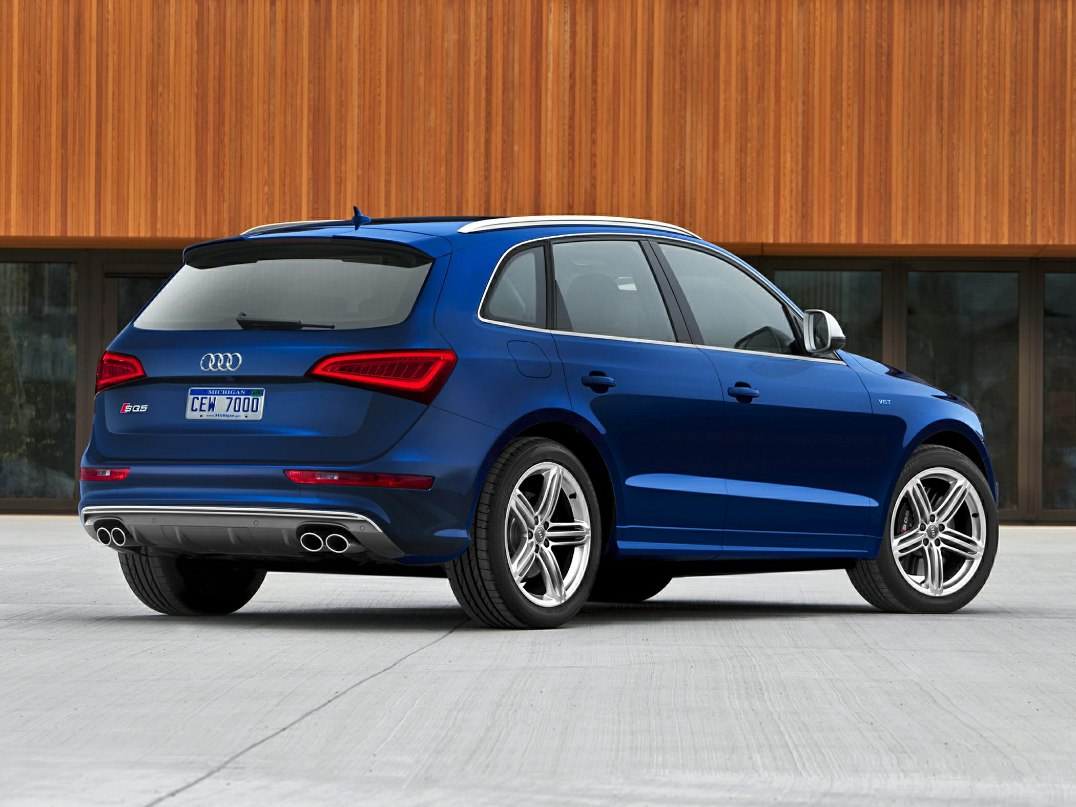 2015 Audi SQ5 Rear