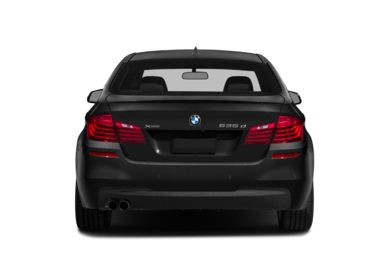 Rear Profile  2015 BMW 535d