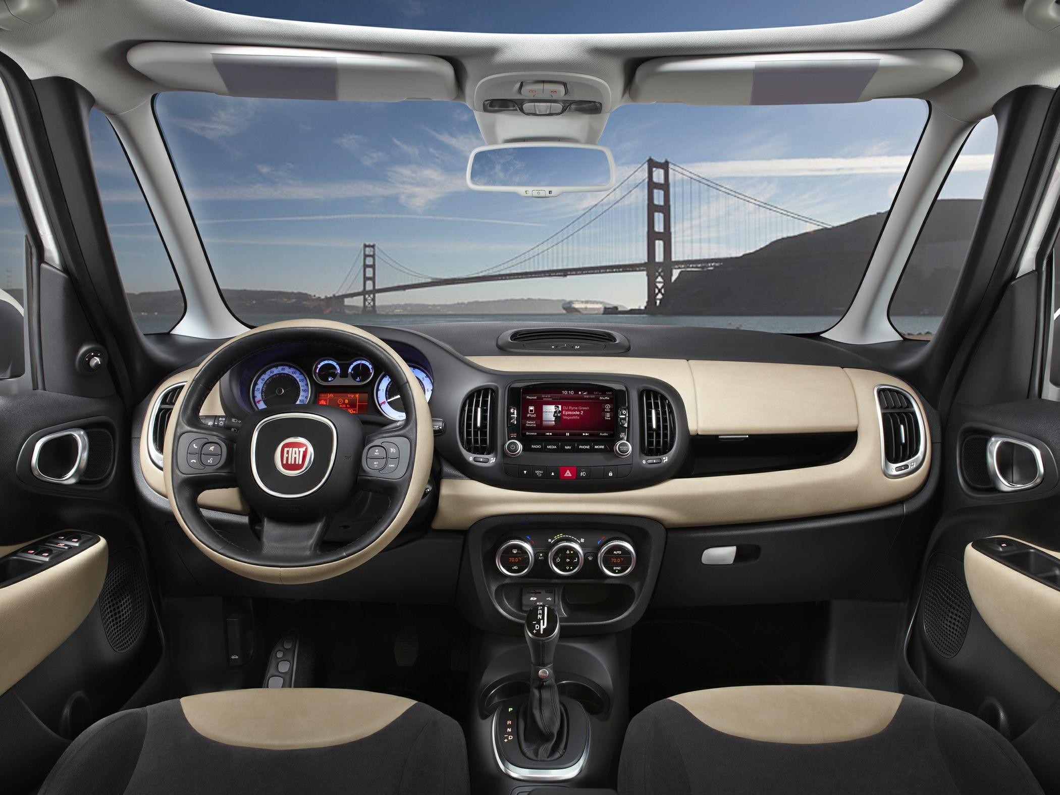 2014 Fiat 500L Glamour Interior