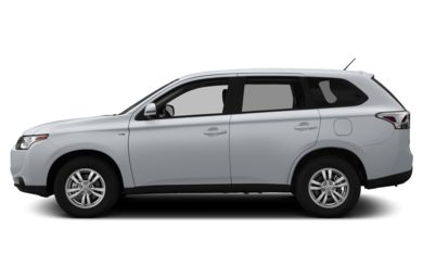 90 Degree Profile 2014 Mitsubishi Outlander