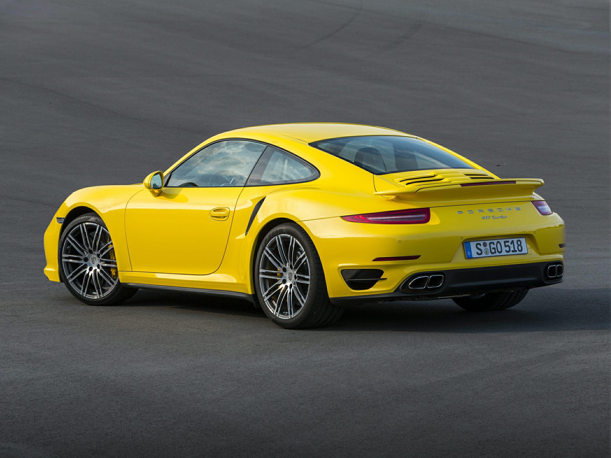2015 Porsche 911 Side Rear