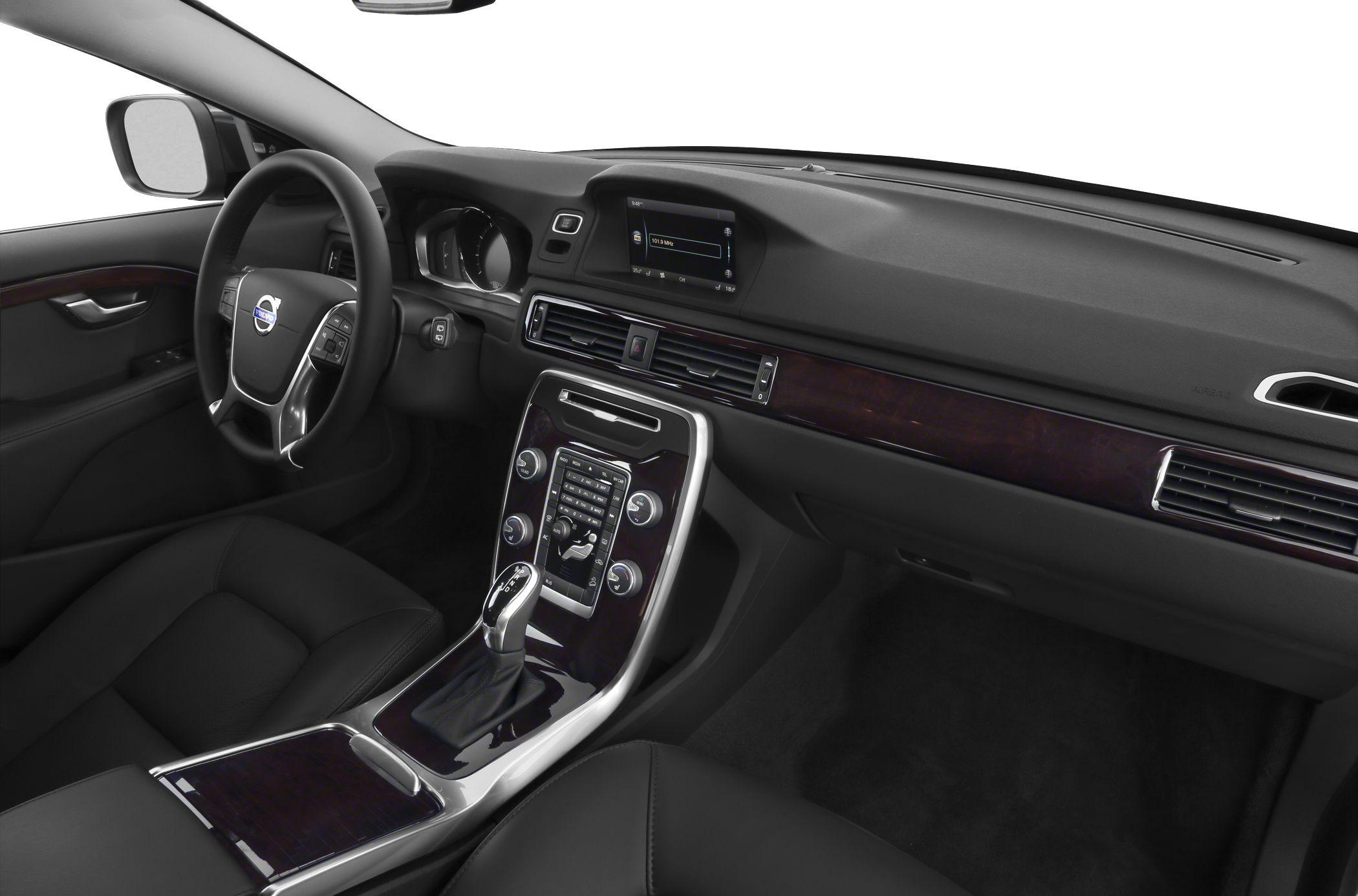 2014 Volvo XC70 Interior