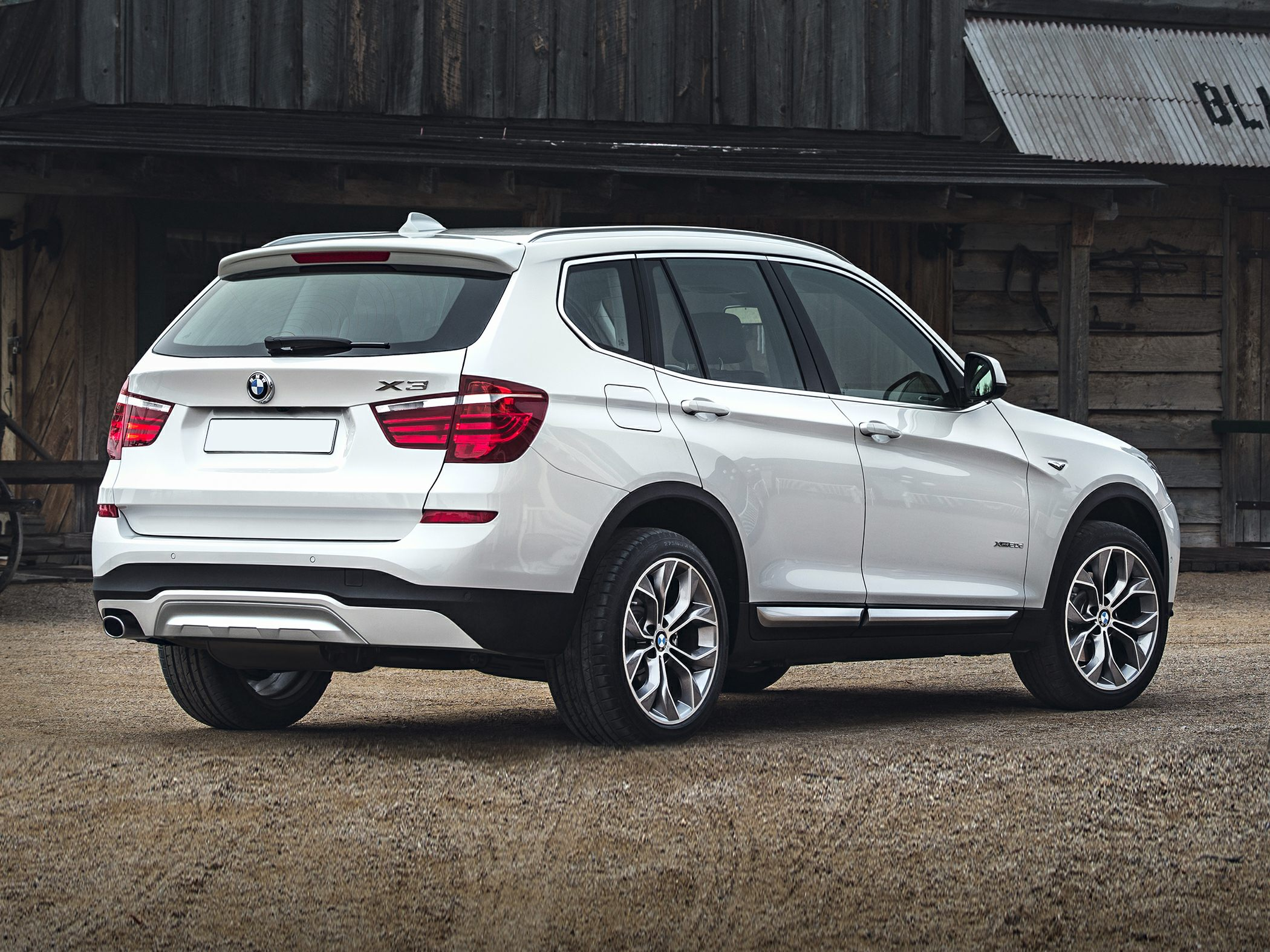 2015 BMW X3 Side Rear