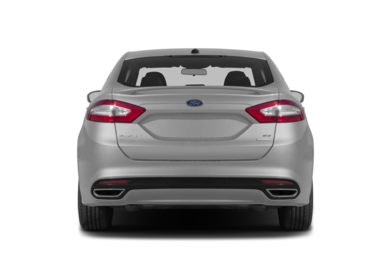 Rear Profile  2015 Ford Fusion