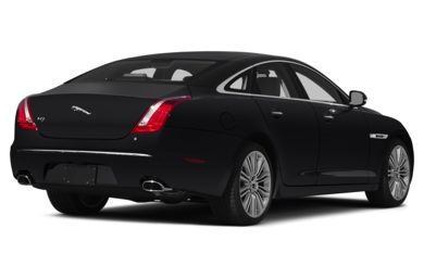 3/4 Rear Glamour  2015 Jaguar XJ