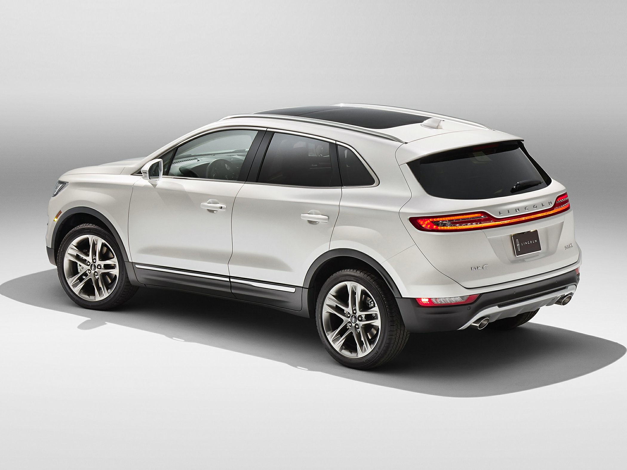 2015 Lincoln MKC Glam2
