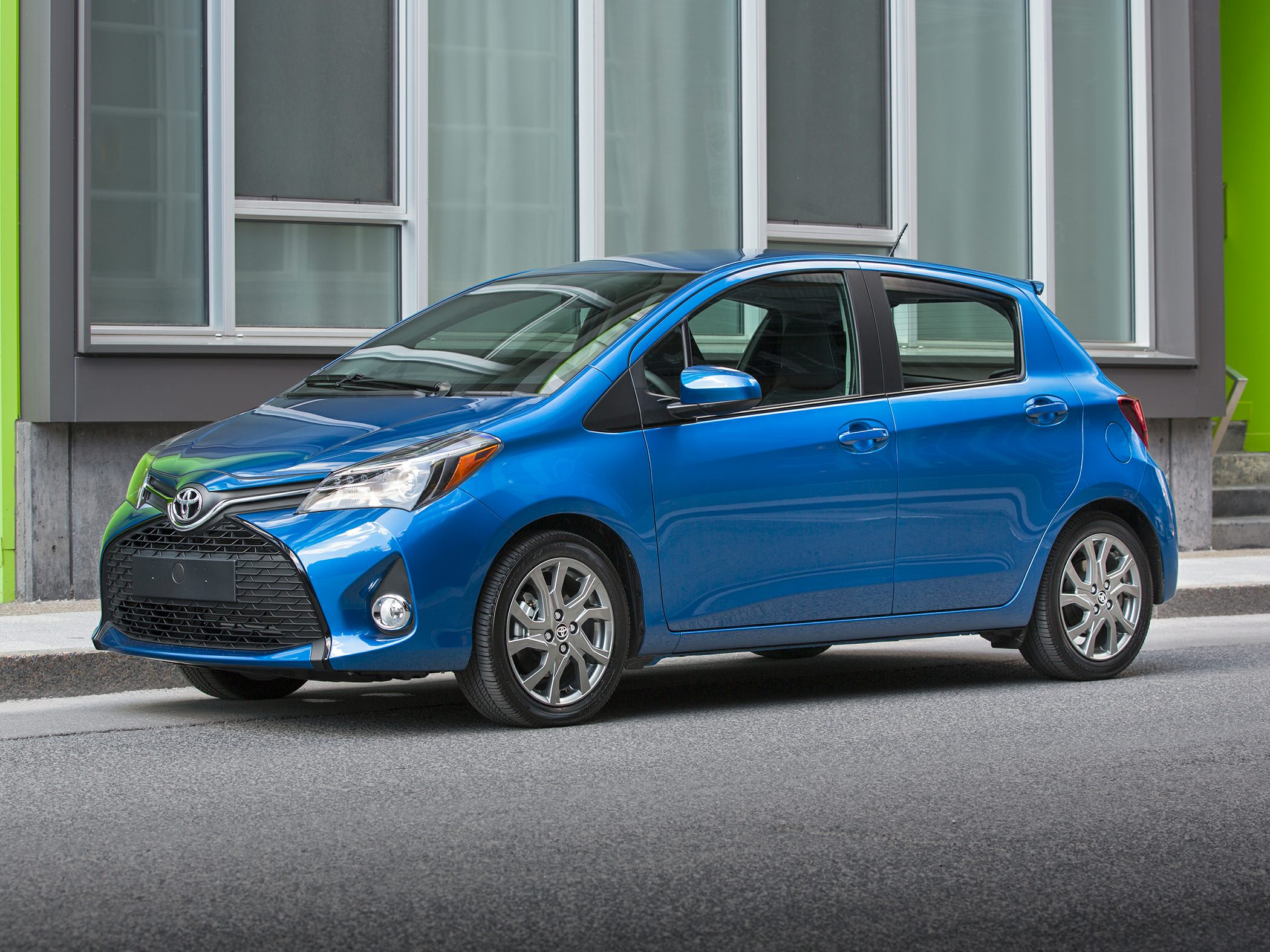 2017 toyota yaris deals prices incentives leases overview carsdirect. Black Bedroom Furniture Sets. Home Design Ideas