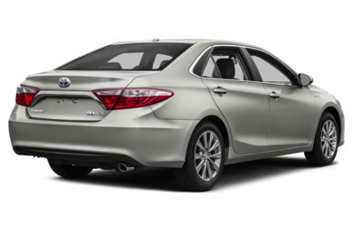 3/4 Rear Glamour  2016 Toyota Camry Hybrid