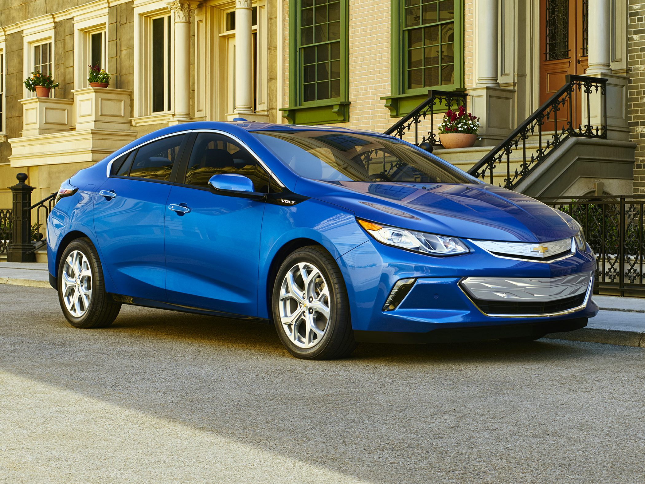 2018 Chevrolet Volt Deals, Prices, Incentives & Leases, Overview ...