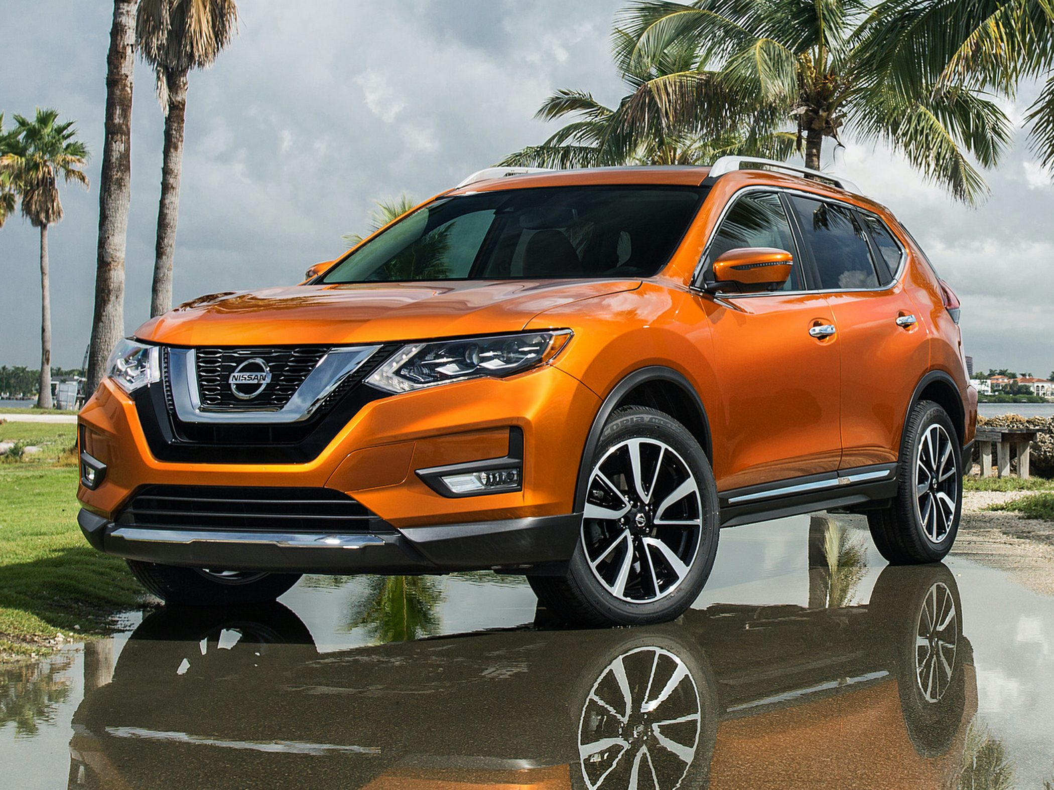 2017 nissan rogue deals prices incentives leases overview carsdirect. Black Bedroom Furniture Sets. Home Design Ideas