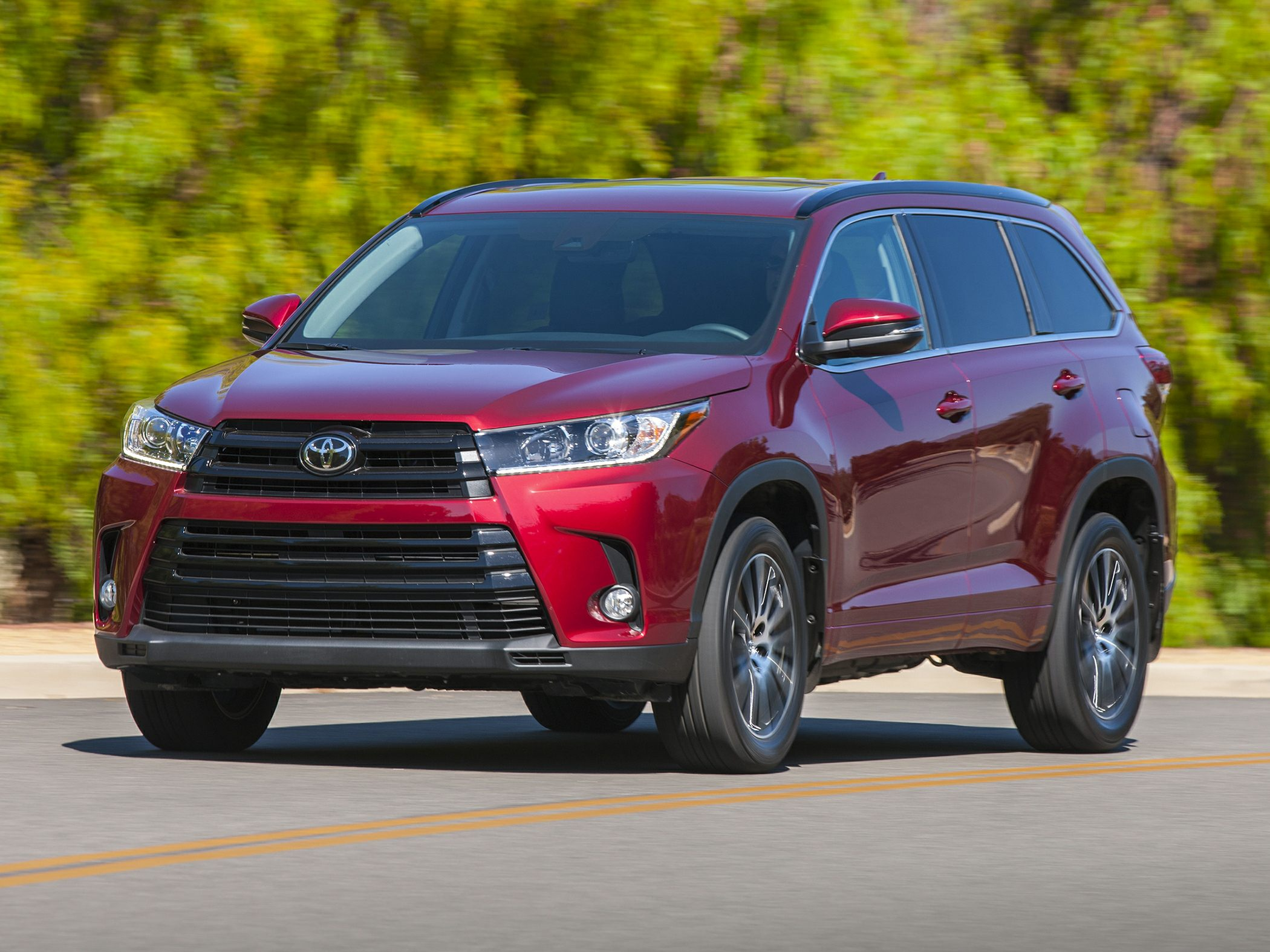 2017 toyota highlander deals prices incentives leases overview carsdirect. Black Bedroom Furniture Sets. Home Design Ideas