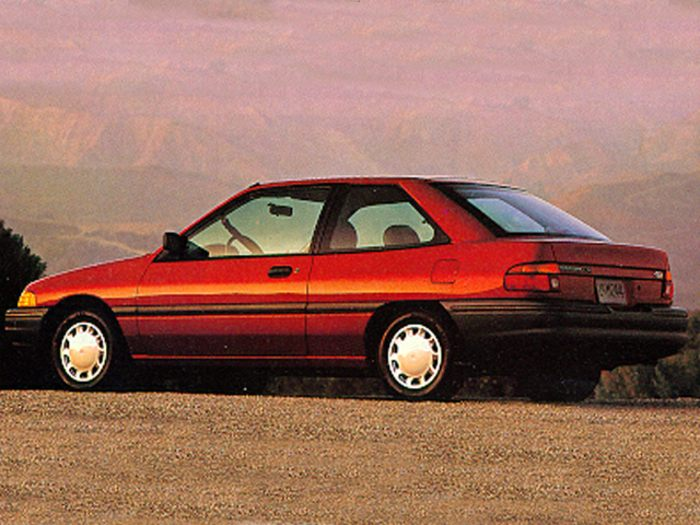 1992 ford escort specs safety rating mpg carsdirect. Black Bedroom Furniture Sets. Home Design Ideas