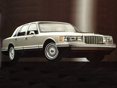 1992 Lincoln Town Car Specs Safety Rating Amp Mpg Carsdirect