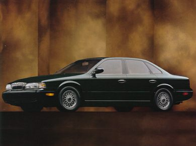 3/4 Front Glamour 1994 Infiniti Q45