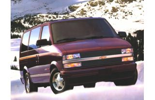 3/4 Front Glamour 1997 Chevrolet Astro