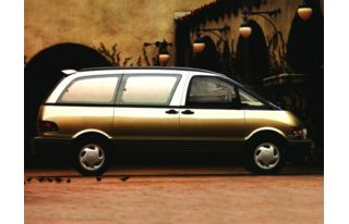 3/4 Front Glamour 1996 Toyota Previa