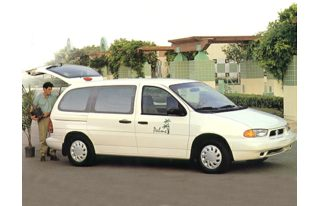 3/4 Front Glamour 1997 Ford Windstar
