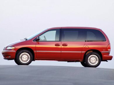 3/4 Front Glamour 1999 Chrysler Town & Country