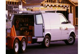 3/4 Front Glamour 1999 Chevrolet Astro