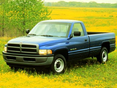 3/4 Front Glamour 1999 Dodge Ram 1500