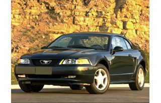 3/4 Front Glamour 1999 Ford Mustang