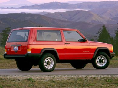 3/4 Front Glamour 1999 Jeep Cherokee