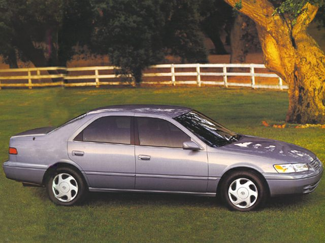 1999 toyota camry styles & features highlights