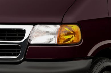 Headlamp  2001 Dodge Ram Wagon 1500