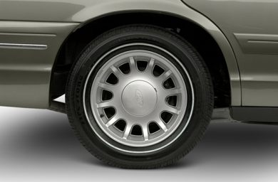 Tires 2001 Ford Crown Victoria