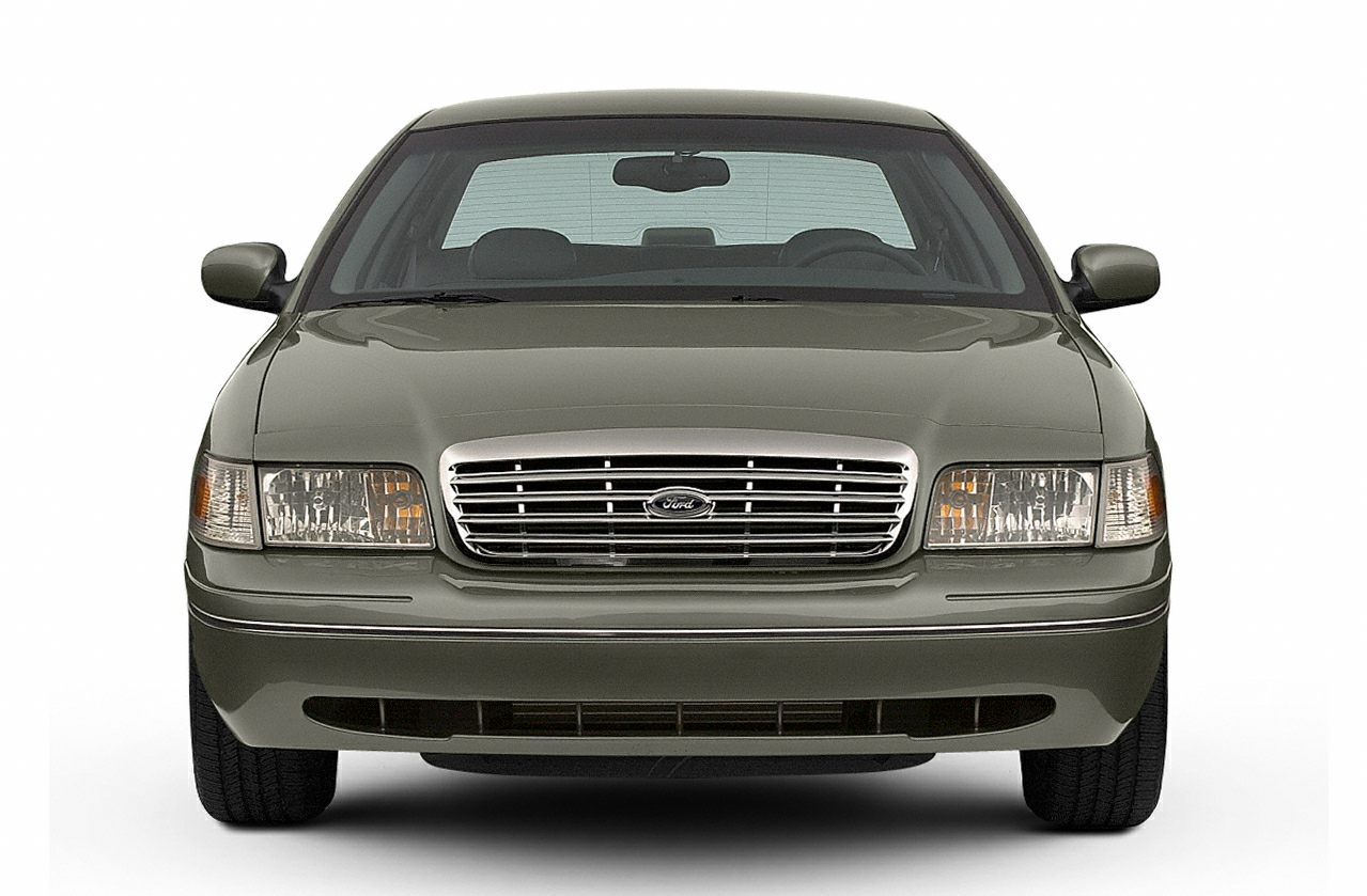 Browse more Ford Crown Victoria photos »