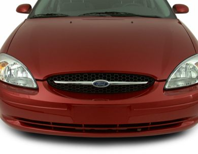 Grille  2001 Ford Taurus