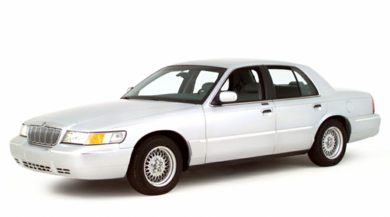 3/4 Front Glamour 2001 Mercury Grand Marquis