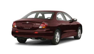 3/4 Rear Glamour  2001 Oldsmobile Aurora