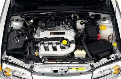 Engine Bay  2001 Saturn LW300