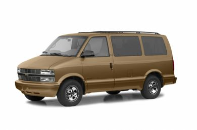 3/4 Front Glamour 2002 Chevrolet Astro