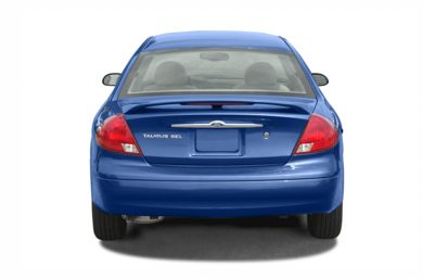 Rear Profile  2002 Ford Taurus