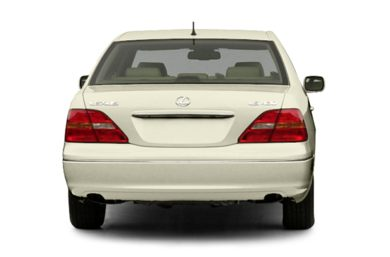 Rear Profile  2002 Lexus LS 430