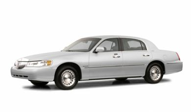 3/4 Front Glamour 2002 Lincoln Town Car