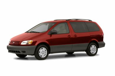 3/4 Front Glamour 2002 Toyota Sienna
