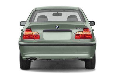 Rear Profile  2003 BMW 330