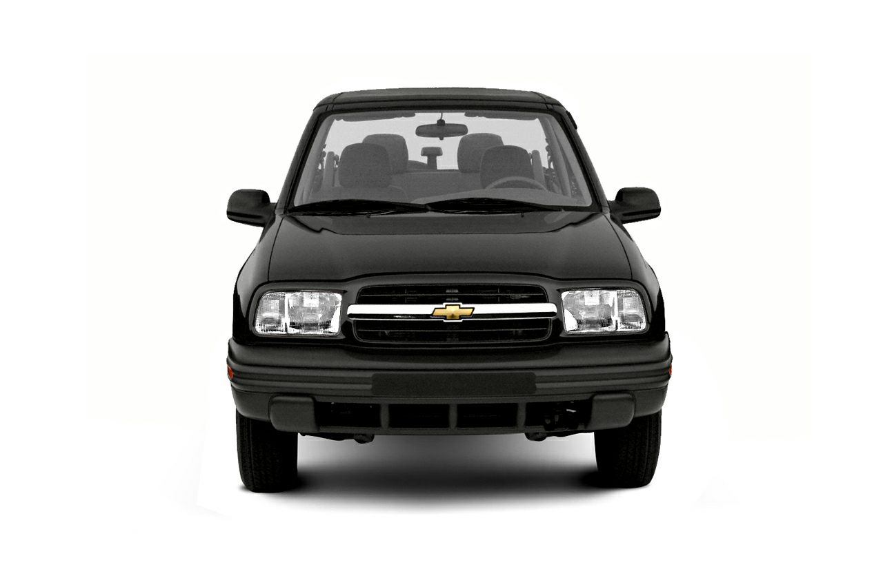 2003 Chevrolet Tracker Styles & Features Highlights