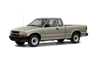 3/4 Front Glamour 2003 Chevrolet S-10