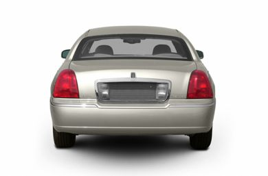 Rear Profile  2003 Lincoln Town Car