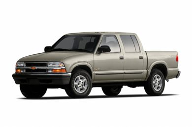 3/4 Front Glamour 2004 Chevrolet S-10
